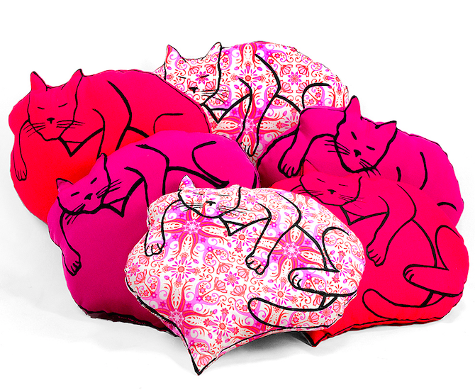 Valentine Pillow with Cat and heart
